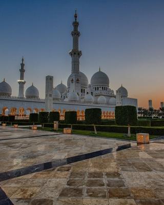 Sheikh Zayed Grand Mosque in Abu Dhabi for Nokia N8