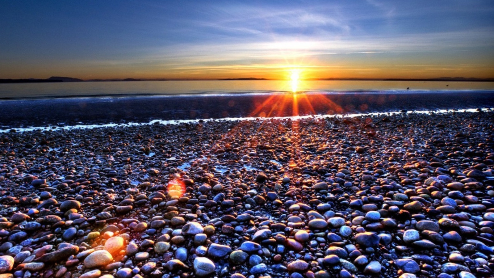 Ihot Wallons Download Ipad Wallpaper Beach Pebbles Autumn: Beach Pebbles In Sun Lights At Sunrise Mobile Picture