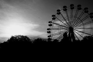 Ferris Wheel In Black And White para Sony Ericsson XPERIA PLAY