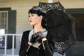 Katy Perry Black Umbrella
