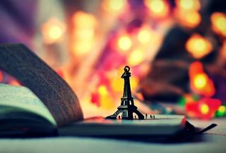Mini Eiffel Purple Golden Bokeh