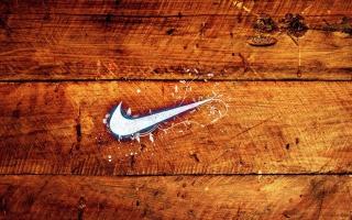Wooden Nike Logo para Motorola RAZR XT910