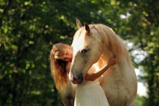 Wallpaper herunterladen blonde girl and horse