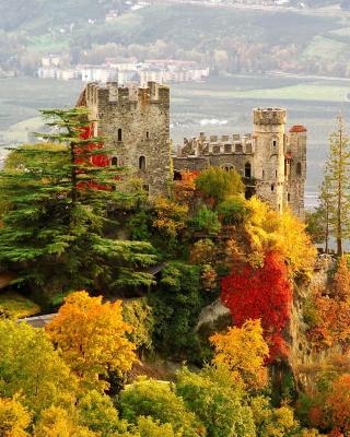 Brunnenburg Castle in South Tyrol per Nokia N8